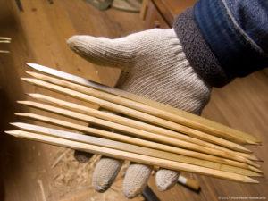 製作風景-【準備】棕櫚箒のコウガイ(竹串)