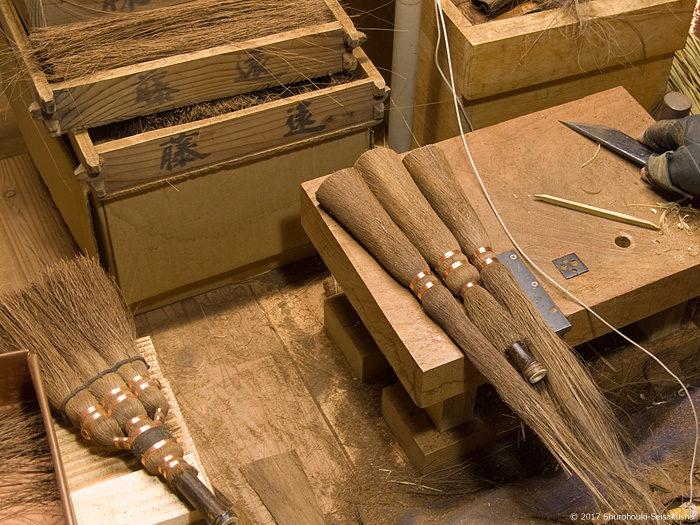 寺社・護摩壇・祭壇用小箒の製作