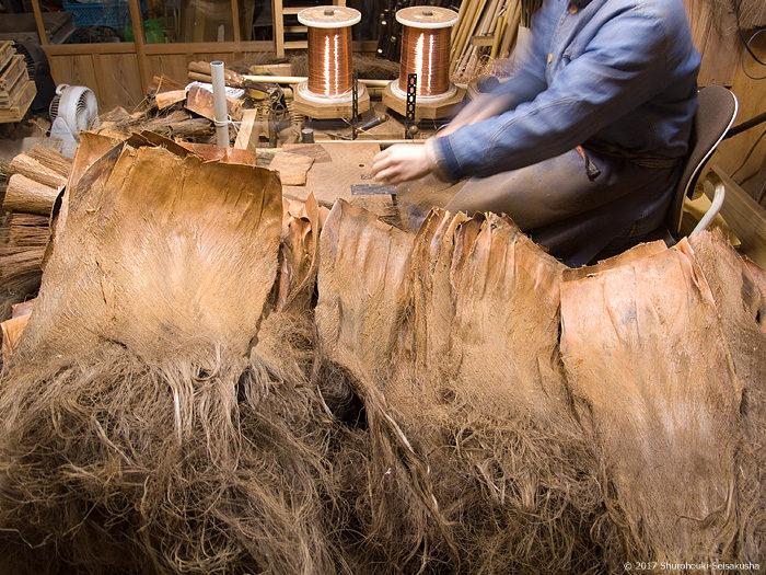 皮7玉長柄箒作り-黒褐色麻糸巻