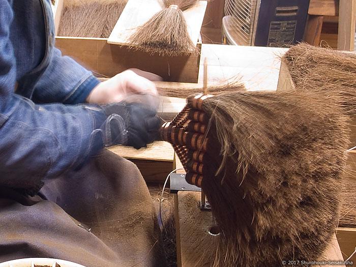 温度・湿度の変化による毛先のハネや広がり