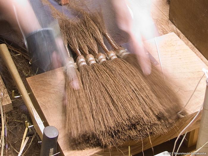 棕櫚箒-鬼毛(タイシ)9玉長柄箒作り
