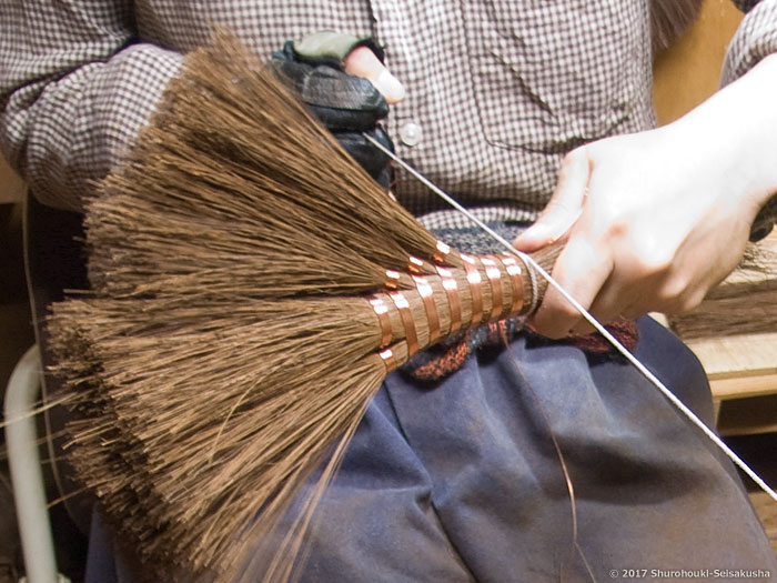 棕櫚箒-本鬼毛荒神箒5玉を作る