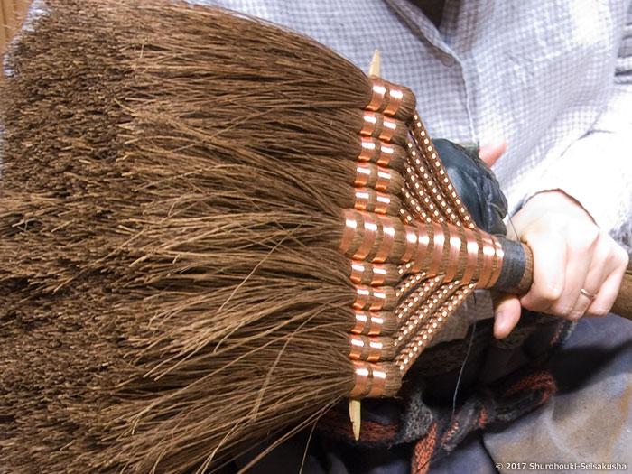 棕櫚箒-本鬼毛11玉長柄箒作り