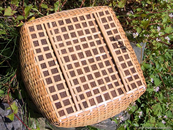 棕櫚皮敷きの炭斗としゅろの歌1