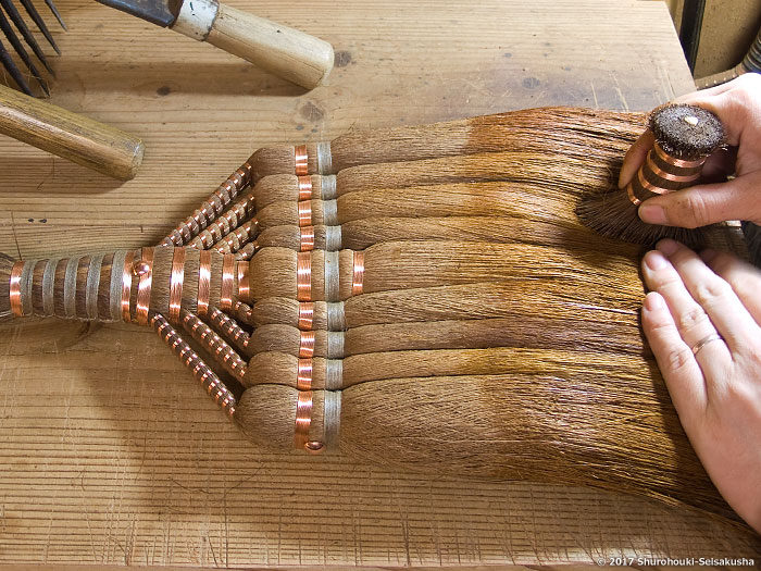 製作風景-【棕櫚箒】棕櫚皮長柄箒