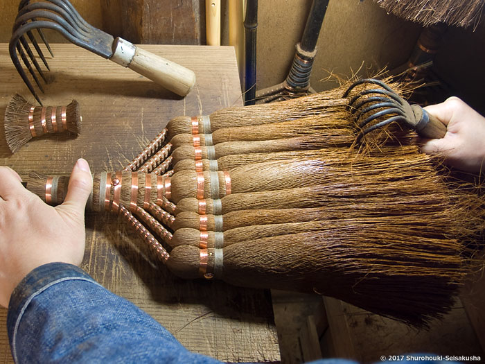 棕櫚箒-棕櫚皮箒作りとしゅろの歌9