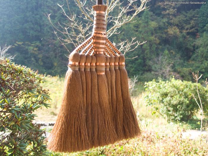 棕櫚箒-棕櫚皮箒の自然乾燥