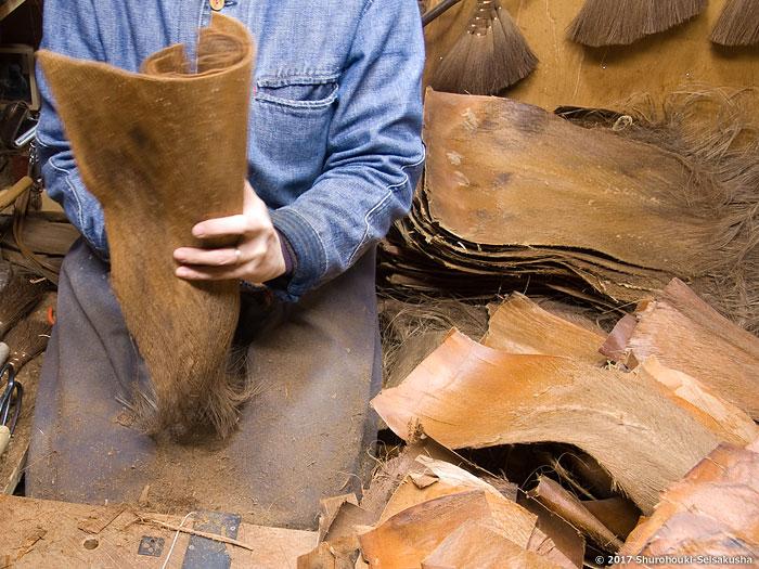 棕櫚箒-棕櫚皮長柄箒の玉作り