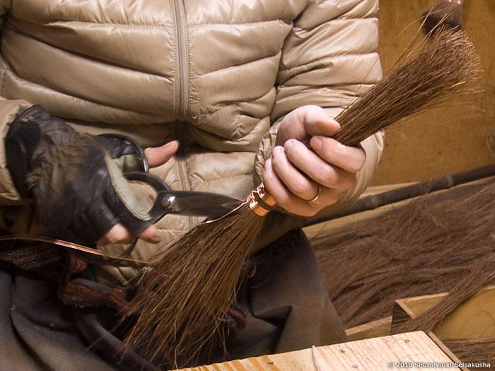 棕櫚箒-本鬼毛11玉長柄箒の玉作り