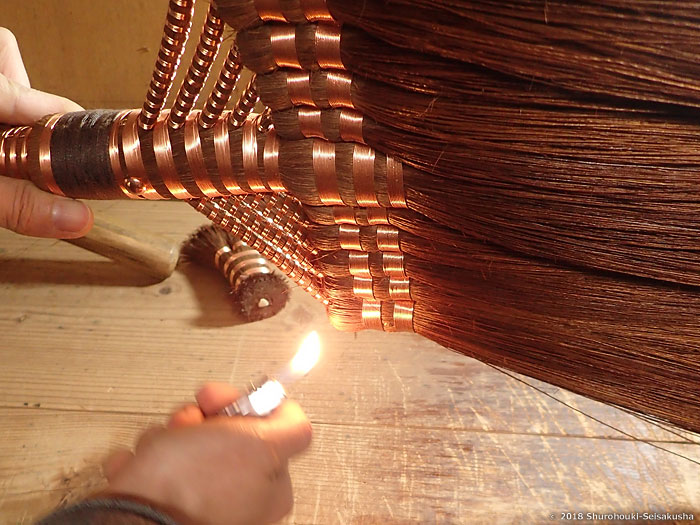 棕櫚箒-本鬼毛11玉長柄箒の仕上げ工程