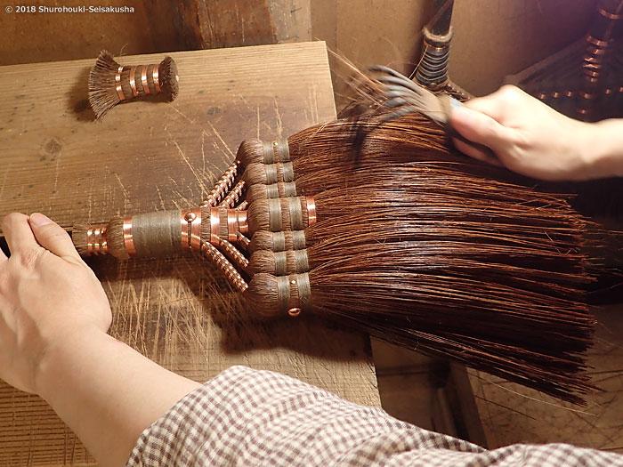 棕櫚箒-本鬼毛長柄箒の仕上げ工程