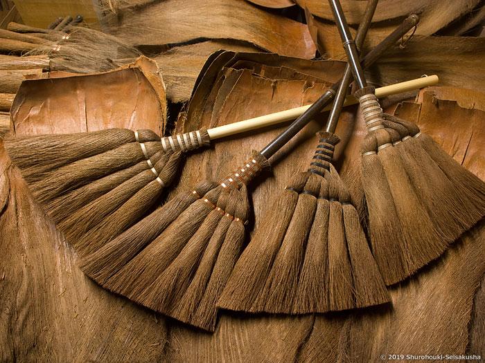 棕櫚箒-[お知らせ]皮5玉手箒・上に麻糸巻2種を追加