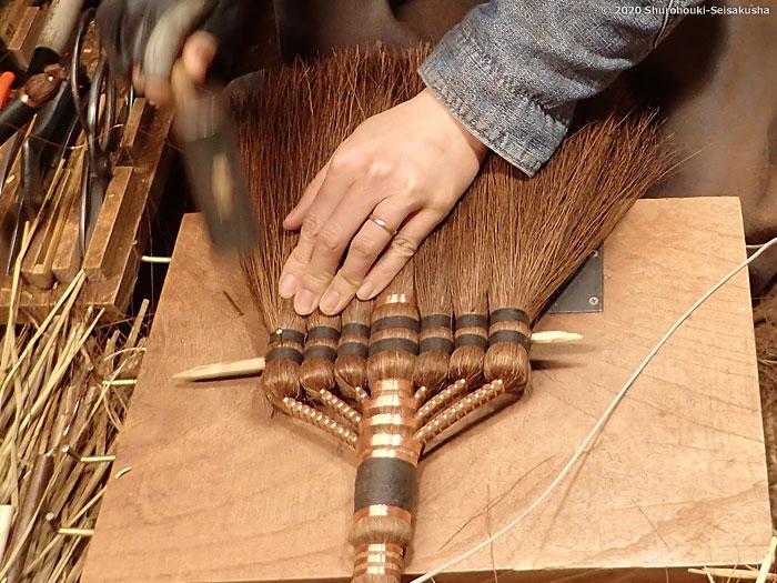 棕櫚箒-鬼毛箒=タイシ箒の製作
