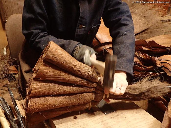 棕櫚箒-棕櫚皮5玉手箒作り